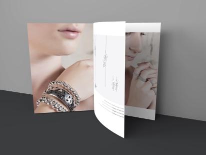 Jeanle_Brochure_Mockup